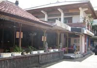yan's cafe bali