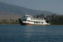 mini-lombok-to-sumbawa-ferry.jpg